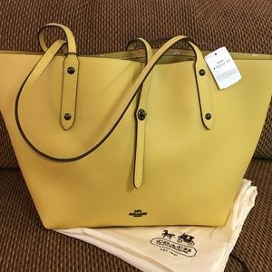 COACH Yellow Leather Int'l Large MARKET TOTE  NWT